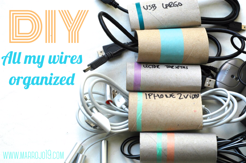 Paper roll to organize wires. www.marrojo19.com