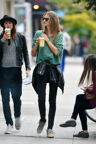marrojo19-Behati+Prinsloo+green-sweater